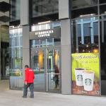 Entrance to Starbucks from the Florentinum yard.