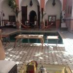 Thé d'accueil et terrasse/piscine