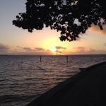 Nascer do sol na pista de cooper que tem ao redor da ilha...