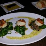 Seared Scallops from their Dinner Menu.