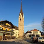 Hotel Tanzer mit Dorfkirche