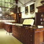 la sala cataloghi della biblioteca