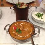 Butter chicken with rice and yoghurt