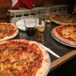 Vers gemaakte pizza, heerlijk!