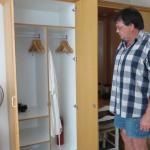 """Wardrobe space - 10 hangers - Johan 1.96 m (6'5"""")"""