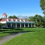 Very nice club house and staff