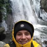 Lille vandfald på turen op til Rainbow Lake.