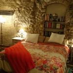 La cama es muy amplia y cómoda... y la decoración, preciosa