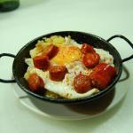Sartén de patatas a lo pobre, huevo frito y txistorra