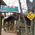 Foto de The Canyon Wren - Cabins for Two