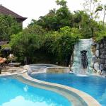 waterfall & whirlpool spa (cold water)