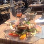 Salade de chèvre chaud et verre de rosé d'Oléron!