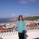Depois do pequeno almoço, com um sol de Novembro e vista para o mar da Nazaré...