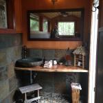 Fantastic outdoor bathroom...so cool!