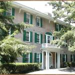 Temple Hill Bed & Breakfast welcomes you!
