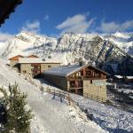 View from lounge of skiable path back to chalet from the run