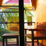Une petite terrasse ventilée très agréable pour se détendre