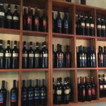 on peut meme acheter des vins italiens !!!