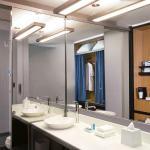 Aloft Lexington Guest Bath Room