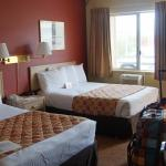 großes Zimmer und super bequeme Betten