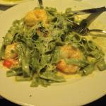 Spinach Fettuccine with shrimp & Alfredo sauce