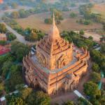 Htilominlo Temple at dawn from a ballon