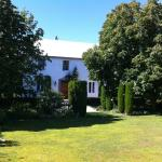 Broomfield Garden Cottages & Homestay