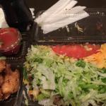 タコライスチーズ野菜とチキンナゲット