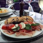 Insalata caprese with Parma Ham ��