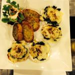Amazing scallops with spinach and cheese