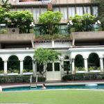 área da piscina do hotel