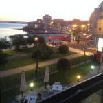 prachtig uitzicht vanuit de kamer op het strand van Carril