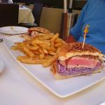 Ahi sandwich with truffle fries
