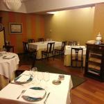 Salón comedor Restaurante Txalupa en Zaragoza