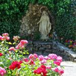 Notre Dame des eaux statue