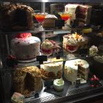 Cake cabinet