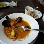 Суп с мидиями и интерьер