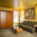 Living room in Suites - Salon dans une Suite