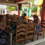 Foto de Tropical Paradise Restaurant