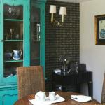 Private cottage dining area