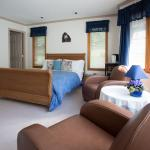 Our Heron Room can accommodate up to 4 people
