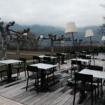 La terrasse pour les repas ensoleillés