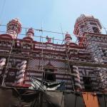 Мечеть в строительных лесах