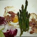 Asparagi, uova e pancetta