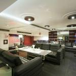 Lobby/Restaurant