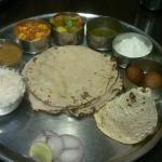Rajasthani Veg Thali