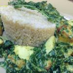 Spinach with cashew nut sauce