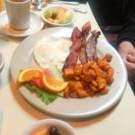 Summit Breakfast (2 eggs/meat/breakfast potatoes & fresh fruit)