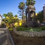 Фонтан на площади Пласа-дель-Эспириту-Санто