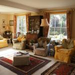 Large Guest Sitting Room